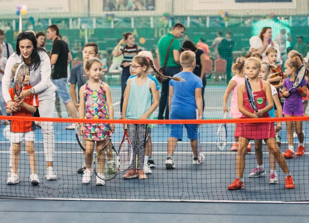Дети в большом теннисе